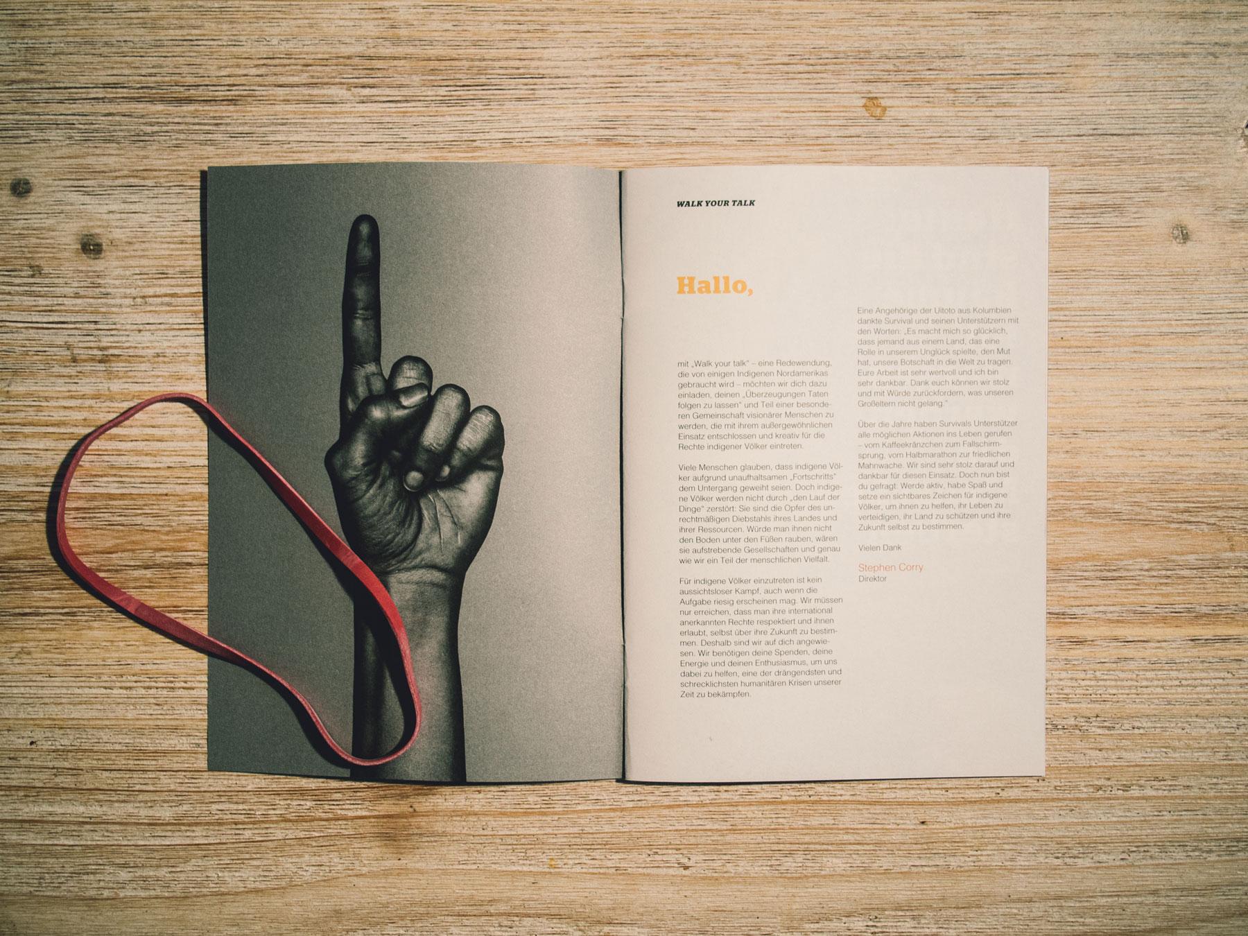 Abbildung der Seiten 1 und 2 des Handbuchs