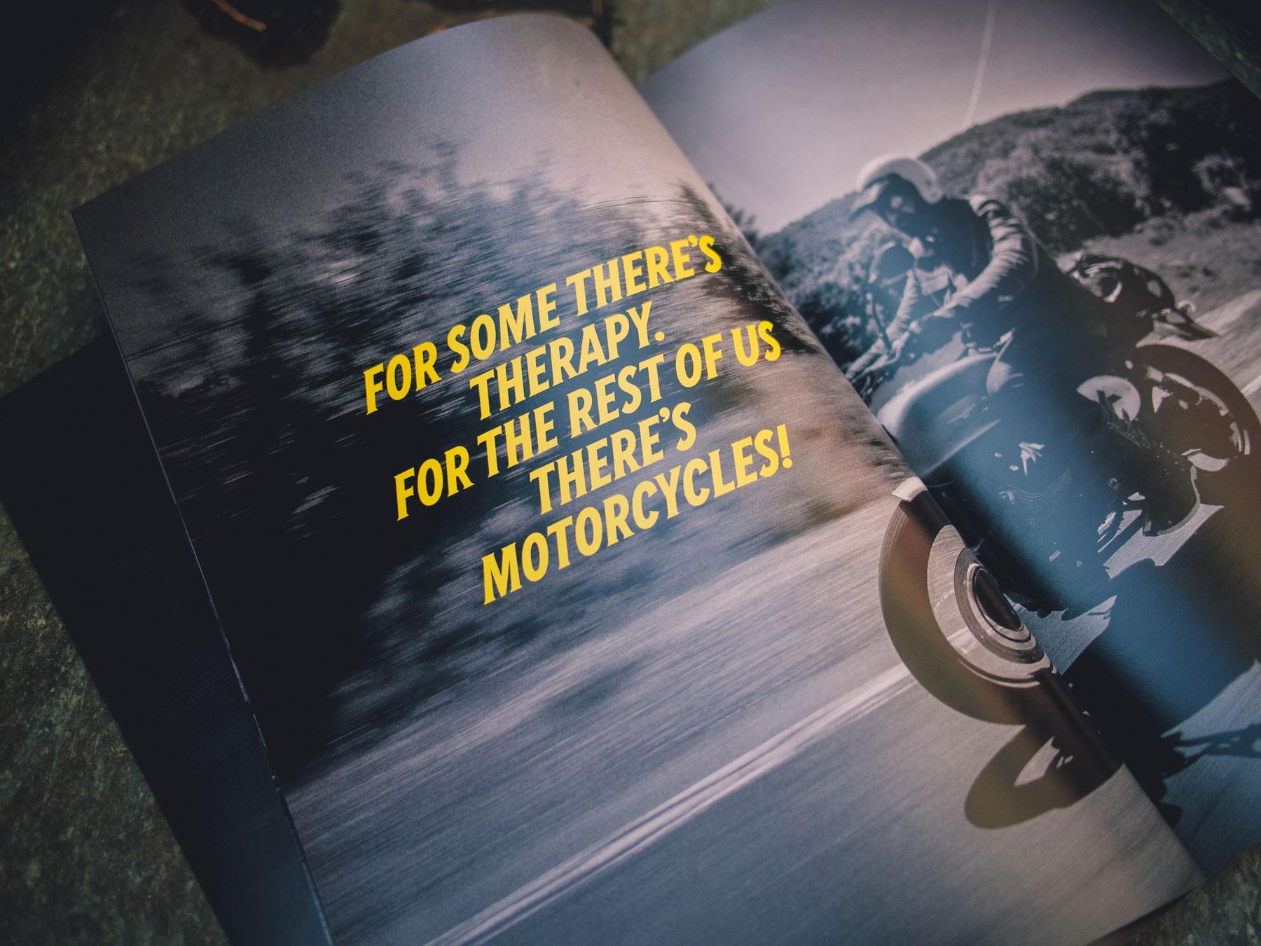 Man sieht eine Katalog-Doppelinnenseite von Heritage Adventure von TOURATECH. Ein Motorradfahrer fährt auf einer Moto Guzzi durch Portugal. Das Corporate Design und Branding ist von MAJORMAJOR.