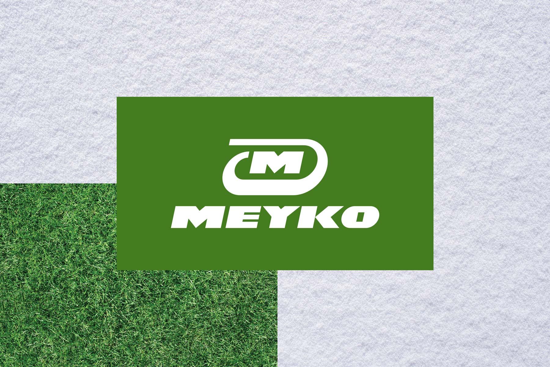 Man sieht das Logo von Meyko, dem Spezialisten für Garten- und Kommunaltechnik vor unterschiedlichen Hintergründen wie Gras und Schnee. Das Corporate Design stammt von MAJORMAJOR.