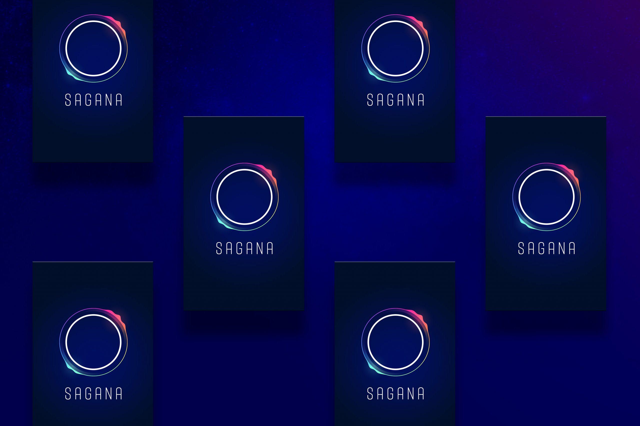 Man sieht das Design der Vorderseite der Visitenkarte von SAGANA, einer Impact Investment Beratung. 6 karten liegen auf blauem Hintergrund. Das Design stammt von MAJORMAJOR.